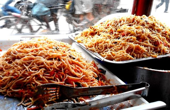 Street Food Videos –Noodles (Not Maggi) Cooking by Indian Street Food Vendors on the Street of India